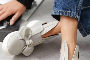 Buty slip on: wybieramy stylowe modele na jesień. Ceny miło zaskakują!