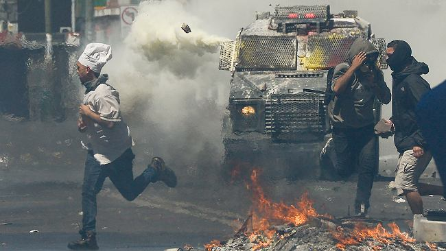 Chile i masowe protesty. W najbogatszym kraju Ameryki Południowej nierówności wypchnęły ludzi na ulice