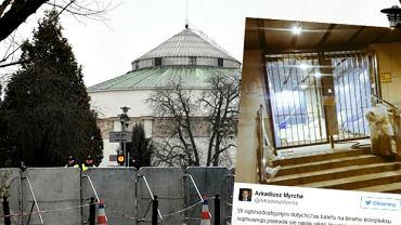 Posłowie PO alarmują o budowie 'krat' przed Sejmem