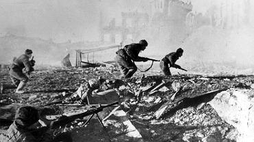Żołnierze radzieccy w bitwie o Stalingrad, 1942 r.