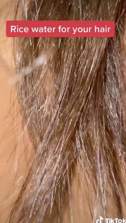 Pokazała, jak na jej włosy wpłynęła woda po ryżu. Metamorfoza robi ogromne wrażenie