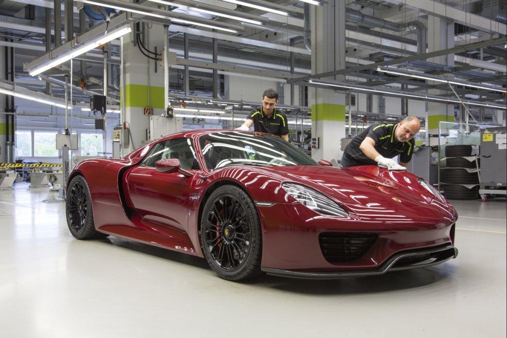Porsche 918 Spyder - ostatnia sztuka opuszcza fabrykę