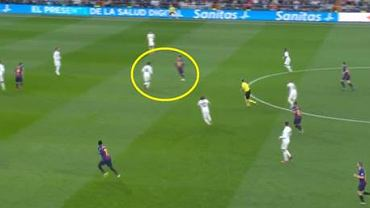 Real w defensywie, Casemiro między liniami zorientowany na schodzącego Messiego. 10 zawodników gospodarzy na własnej połowie
