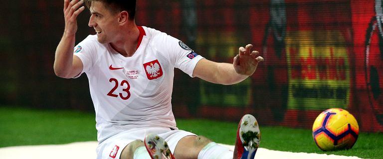 Polska - Łotwa. Piłkarze ślizgali się cały mecz. Okazało się, że to przez malowaną murawę na Stadionie Narodowym
