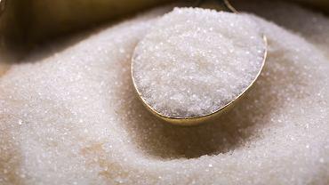 Polskie dzieci jedzą średnio 14-16 łyżeczek cukru dziennie, a te najmłodsze, czyli poniżej 10. roku życia, aż 19 - to najwięcej w całej Europie