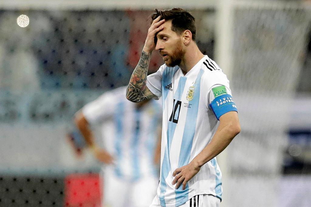 Lionel Messi po trzecim golu zdobytuym przez przeciwników. Mecz Argentyna - Chorwacja (0:3) na mistrzostwach świata w Rosji. Niżny Nowogród, 21 czerwca 2018