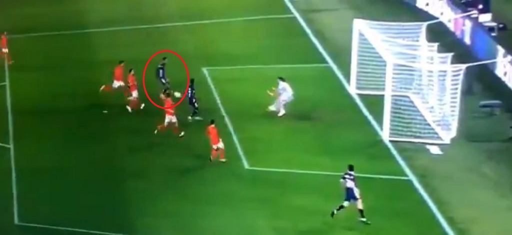 Fatalne pudło Aubameyanga w meczu 1/16 finału Ligi Europy z Benficą