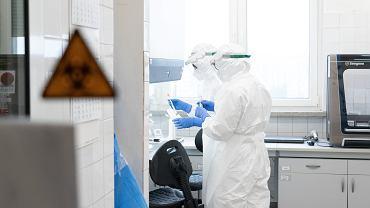 Laboratorium, w którym wykonywane są testy na obecność koronawirusa