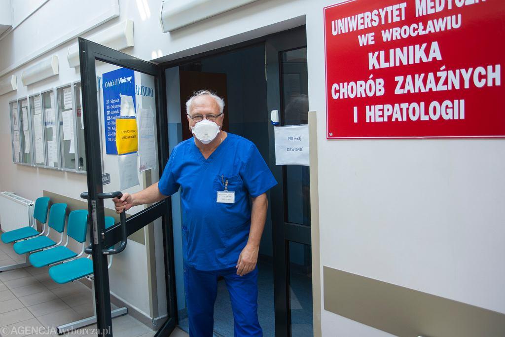 Profesor Simon wypowiedział się na temat trzeciej fali epidemii, a także pomysłu przeprowadzenia masowych testów