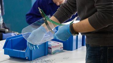 Koronawirus. Do szpitali trafiły ochronne przyłbice medyczne wyprodukowane przez Politechnikę Białostocką