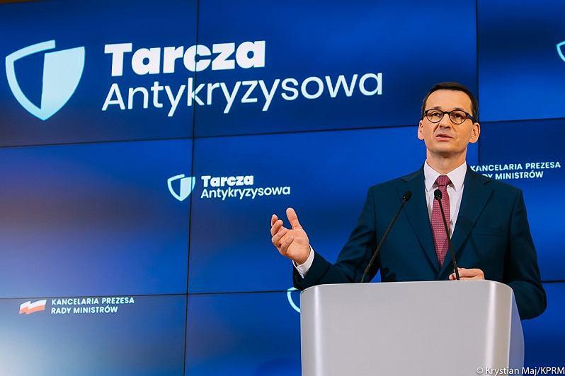 Premier Mateusz Morawiecki podczas konferencji prasowej poświęconej tarczy antykryzysowej dla firm