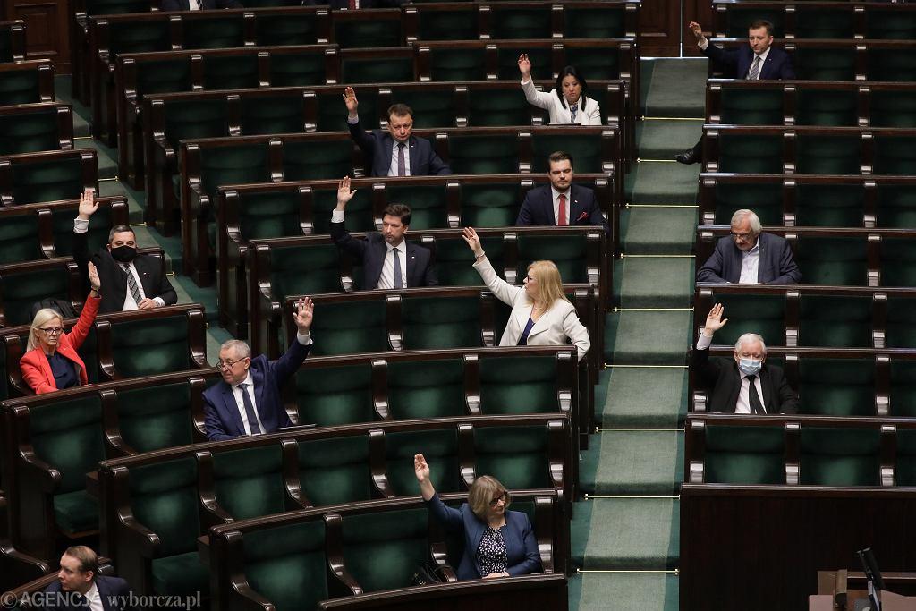Sejm uchwalił nowe przepisy dot. podatków PIT, CIT i VAT