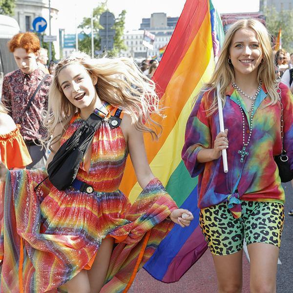 Julia Wieniawa i Jessica Mercedes na Paradzie Równości w Warszawie, 08.06.2019