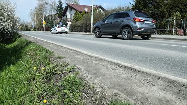 W tym miejscu powstanie chodnik - pobocze ul. Kurpiów we Wrocławiu