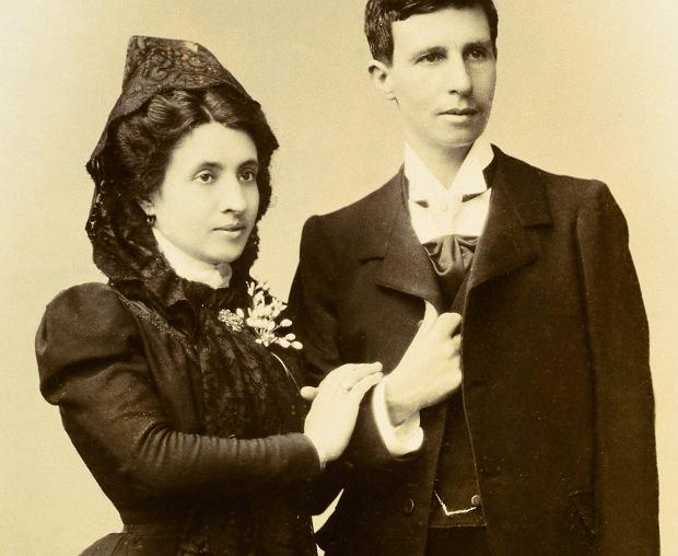 Eliza i Marcela po wzięciu ślubu (fot. Domena publiczna)