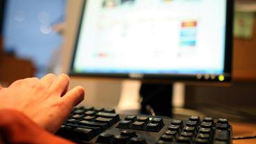 Komputer - zdjęcie ilustracyjne