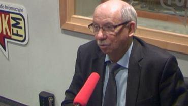 Janusz Lewandowski w studiu radia TOK FM
