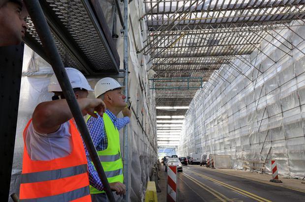Zdjęcie numer 9 w galerii - Dziennikarze sprawdzali, jak przebiega rozbudowa starego mostu za 123 mln zł [GALERIA]