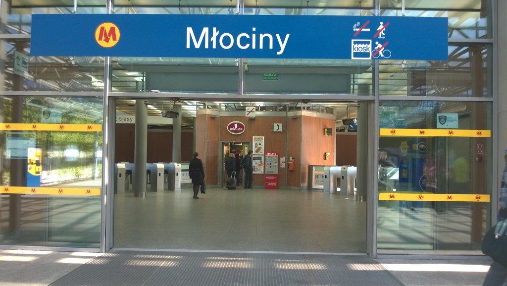 Metro Młociny
