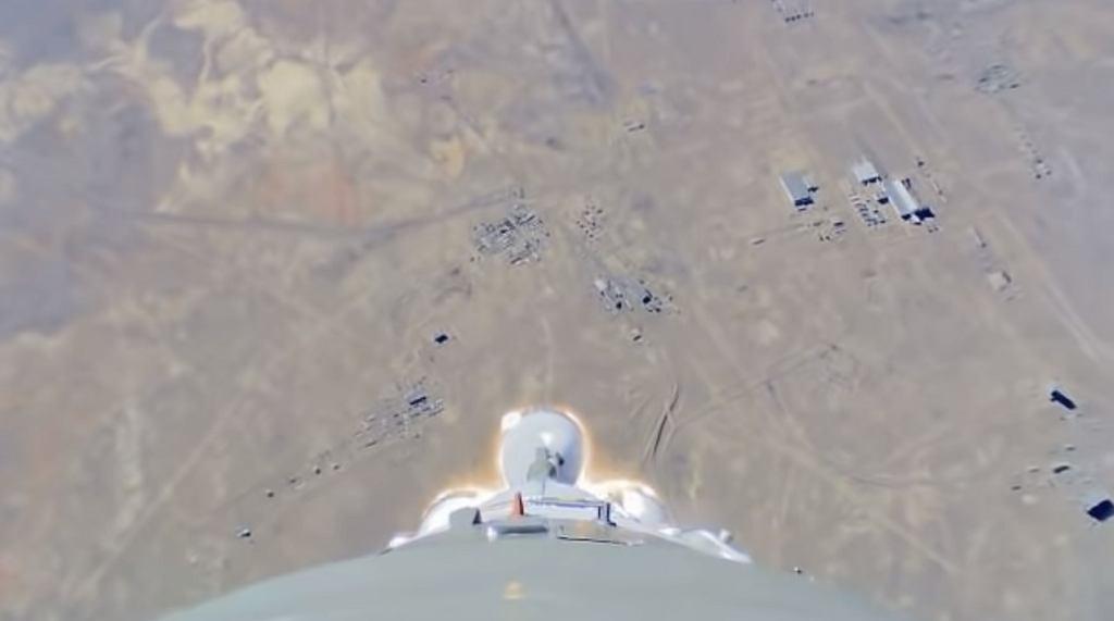 Kadr z filmu nagranego przez kamerę zamontowaną na rakiecie Sojuz