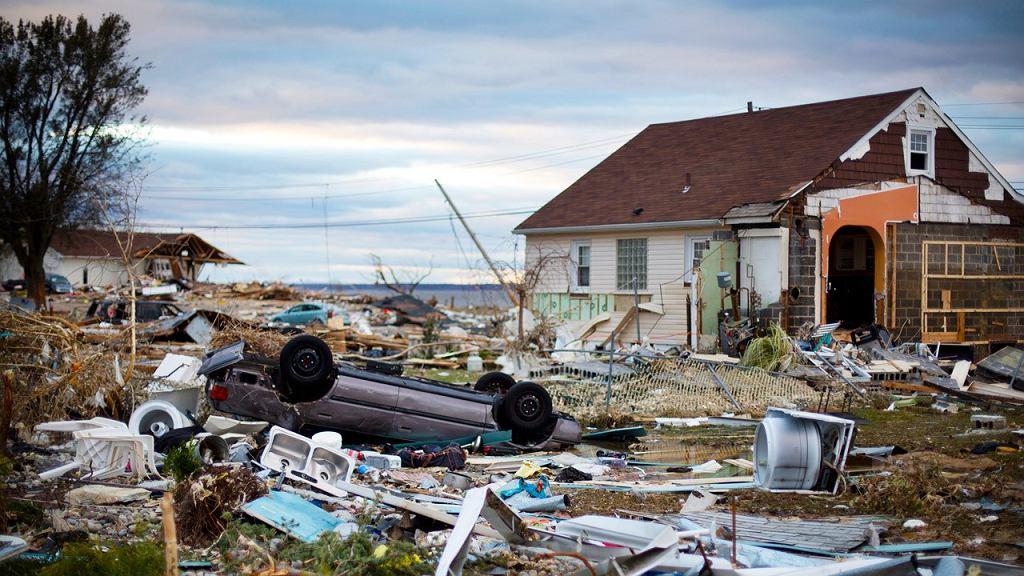Północne wybrzeże USA po przejściu huraganu Sandy. Zdjęcie z filmu Huragan Sandy: chaos w wielkim mieście. Emisja 25.11 o godz. 22:00 na National Geographic Channel