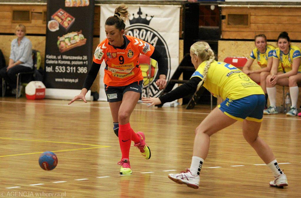 Katarzyna Tutaj podczas meczu Korona Handball - MTS Kwidzyn