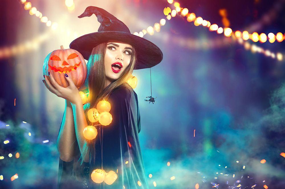 Stroje na Halloween dla kobiet. Jaki strój będzie oryginalny na imprezę przebieraną z okazji Halloween? Podpowiadamy