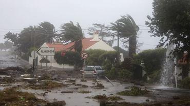 W Azory uderzył huragan Lorenzo