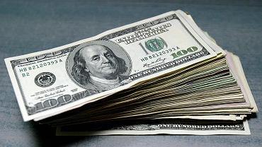 Kursy walut 16.10. Wartość najważniejszych walut rośnie [kurs dolara, funta, euro, franka]