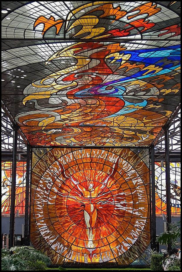 http://www.kuriositas.com/2014/01/cosmovitral-mexicos-amazing-stained.html