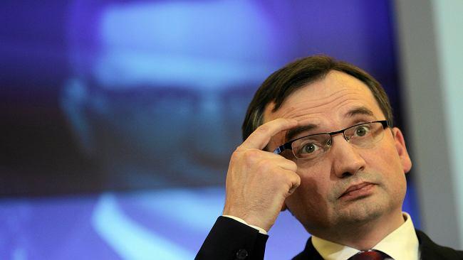 """Ziobry nie było, gdy Morawiecki wygłaszał expose. """"Pojawił się dopiero po godzinie"""""""