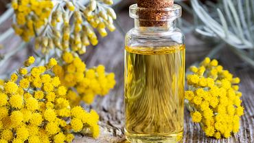 Kocanka bogata jest w flawonoidy, olejki eteryczne, woski czy karotenoidy