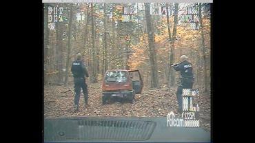 Kadr z zatrzymania 34-letniego pijanego kierowcy.