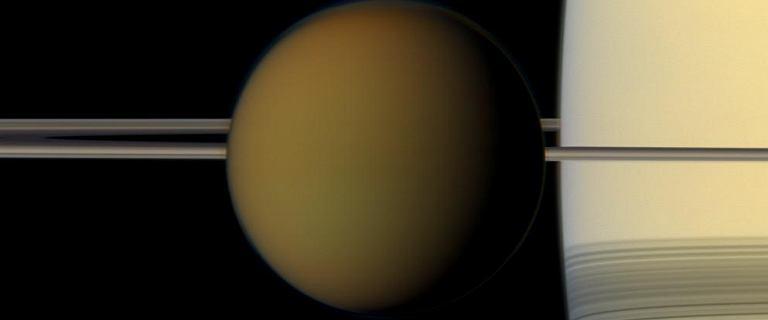 NASA stworzyła mapę księżyca Saturna. Możliwe, że istnieje na nim życie