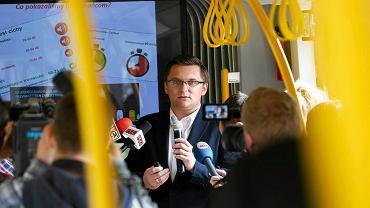 Marcin Krupa, prezydent Katowic ogłasza wyniki ankiety, w której zapytał mieszkańców o tramwaj do południowych dzielnic miasta
