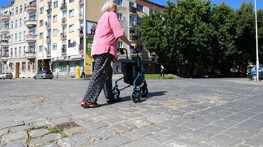 Przejście dla pieszych na rogu ul. Pereca i ul. Szczęśliwej będzie oświetlone