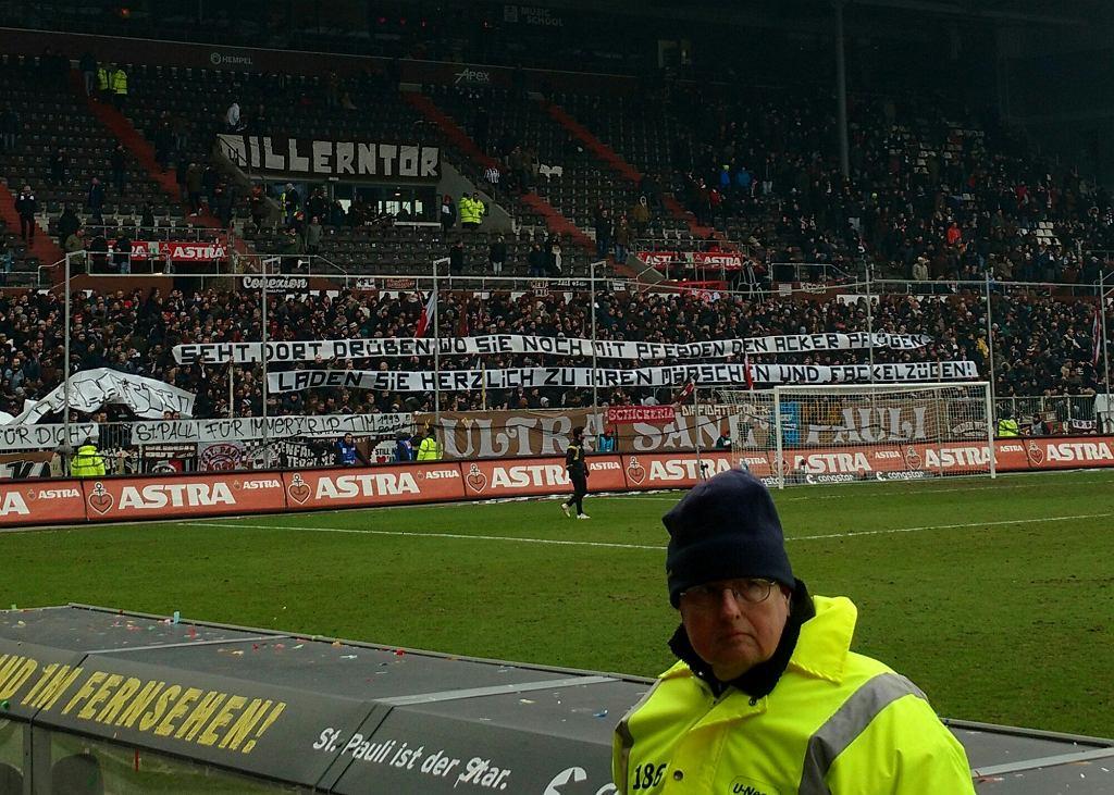 Transparenty ultrasów St. Pauli