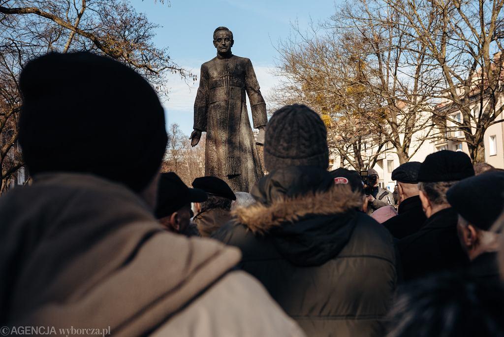 Pomnik ks. Jankowskiego wróci na ulice Gdańska, ale w innym miejscu - deklaruje radny PiS