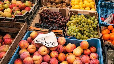 Stoisko z owocami i warzywami w Rzeszowie