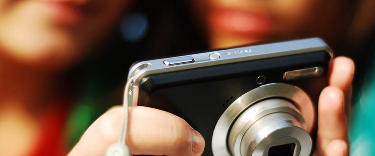 Jaki aparat kompaktowy kupić? Wybieramy najlepszy mały aparat [TOP 5]