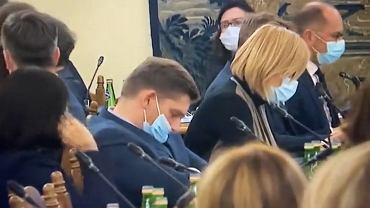 Bartosz Kownacki miał zasnąć podczas posiedzenia