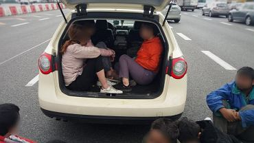 Aż 9 osób z Azji przewoził swoim passatem obywatel Ukrainy