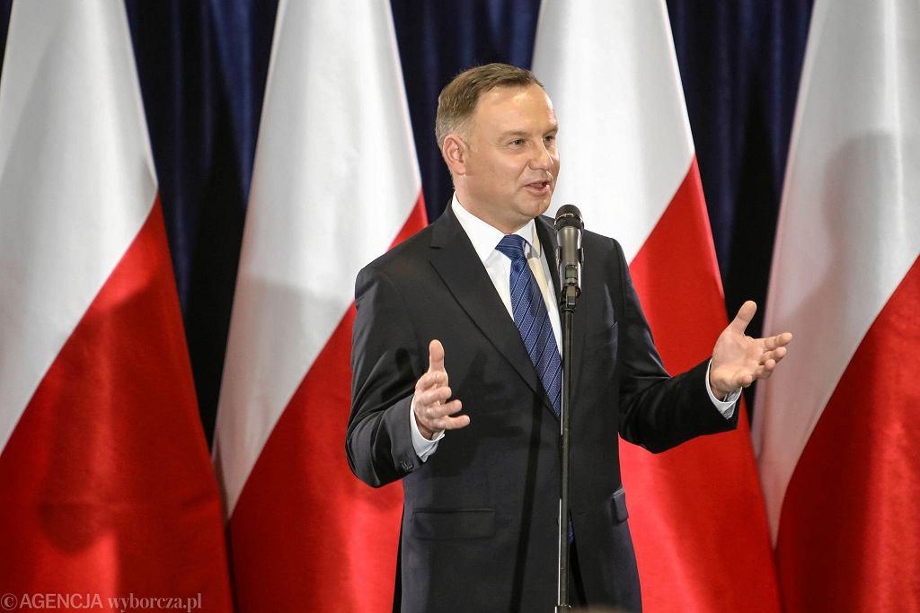 Wypowiedzi prezydenta dotyczące 'eliminacji', bądź 'oczyszczania naszego polskiego domu' w kontekście sędziów, nie znajdują precedensu w dotychczasowej historii III RP