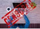 Rząd, walcząc z dopalaczami, chce blokady domen. Resort cyfryzacji: Facebooka też?