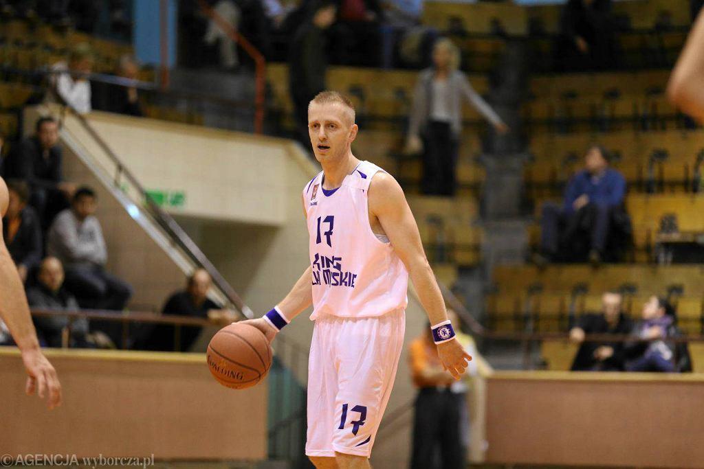 Marcin Stokłosa dobrze kierował grą Spójni w końcówce meczu z Astorią