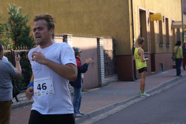 Bieg w Uniejowie na 10 km. Październik 2012 r.