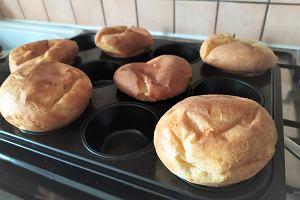 Co zrobić z nadmiarem zakwasu na chleb? Oto proste i pyszne przepisy m.in. na krakersy i muffiny