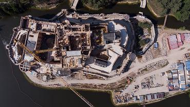 Zamek w Puszczy Noteckiej powstaje od 2015 roku