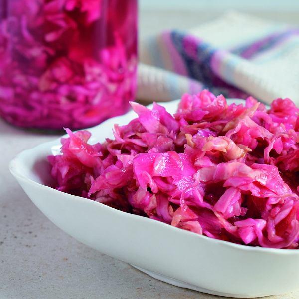 Do kiszenia warzyw warto używać nierafinowanej kamiennej soli bez antyzbrylacza -taka sól zawiera najwięcej pierwiastków imikroelementów
