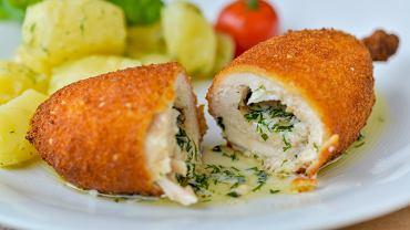 Kotlet de volaille z masłem i czosnkiem - klasyk na obiad nie tylko od święta [PRZEPIS]